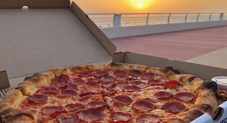 أفضل المطاعم التي تقدم خدمة توصيل البيتزا في دبي مارينا