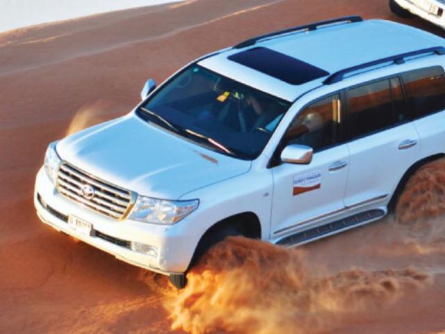 القيادة في الصحراء Try to Survive Dune Bashing