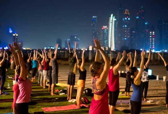 يوغا إكتمال القمر Full moon yoga