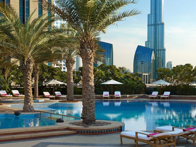 مسبح فندق شانغريلا دبي