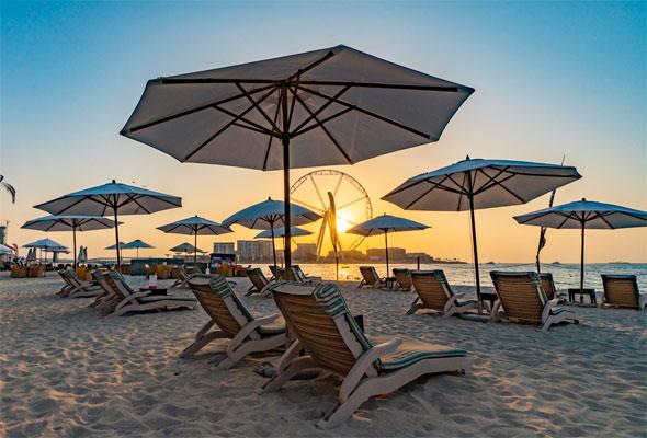 ويفبريكر بيتش كلوب Wavebreaker Beach Club