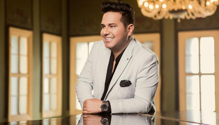 المغني حاتم العراقى في الفجيرة