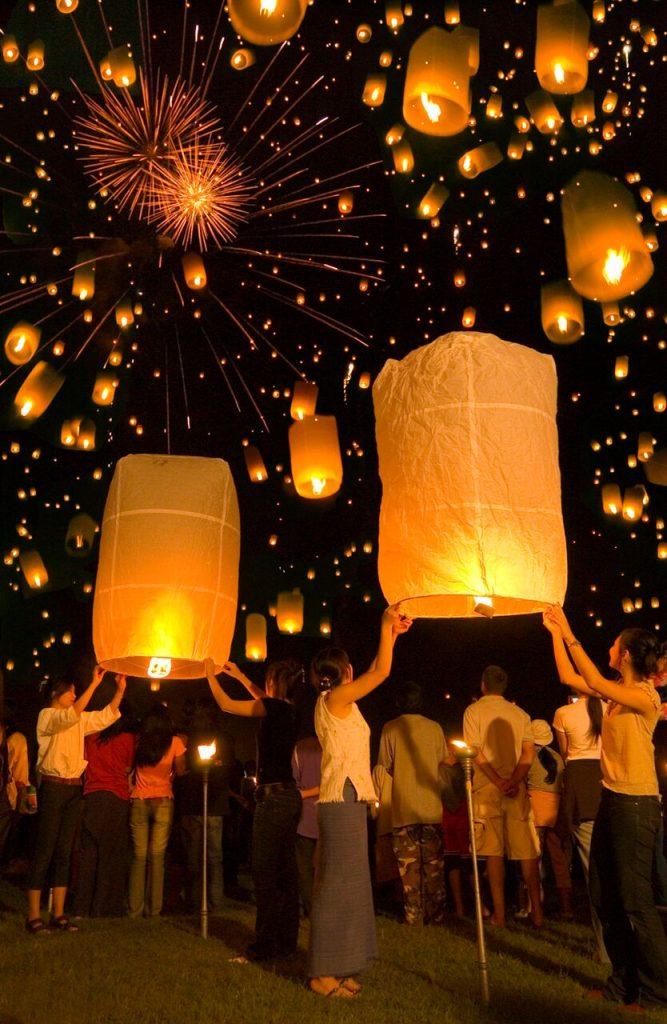 تعرف على احتفالات تايلاند خلال مهرجان اكتمال القمر