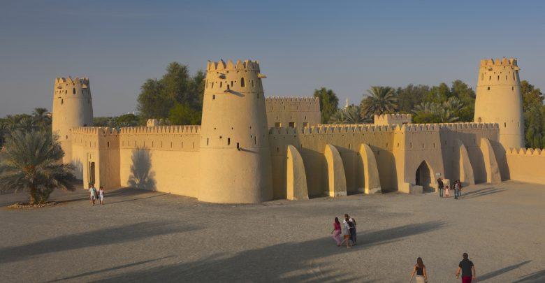 جولات سياحية في قلعة الجاهلي بالعين