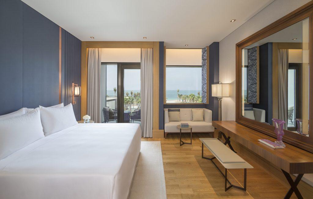خيارات الإقامة في سيزرز بلوواترز دبي