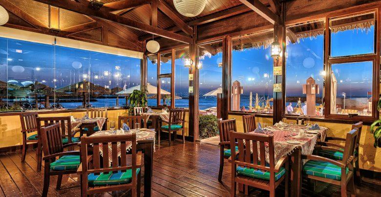 إعادة افتتاح مطعم كازا سمك في منتجع كورال بيتش الشارقة