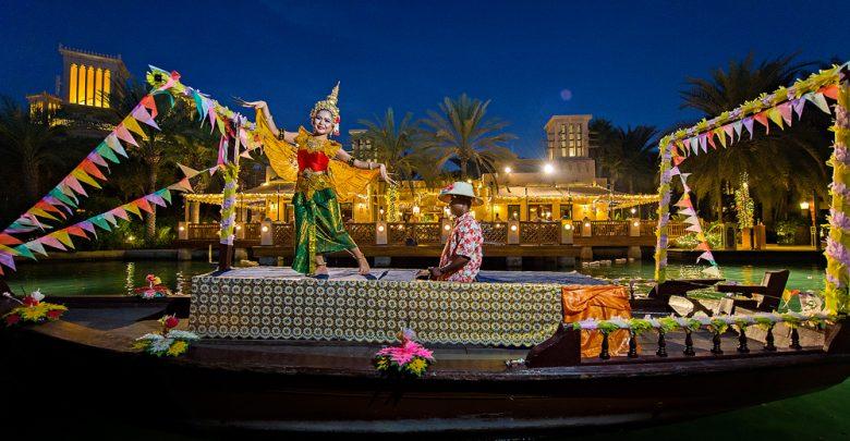 احتفالية مهرجان المصابيح لوي كراثونج من مطعم باي تاي