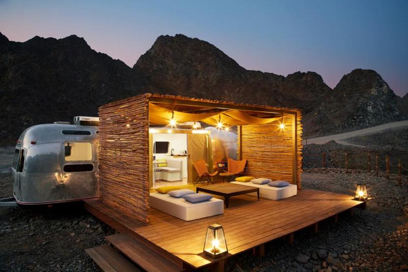 أول فندق على طراز مقطورة في الإمارات Hatta Sedr
