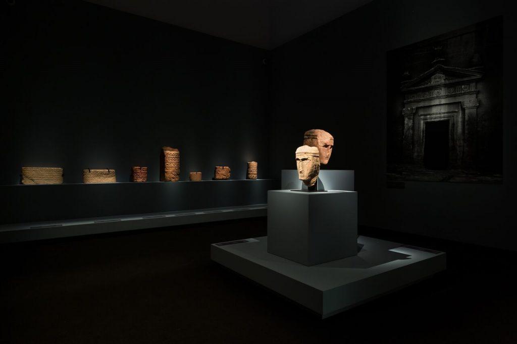معرض طرق التجارة في الجزيرة العربية في متحف اللوفر أبوظبي