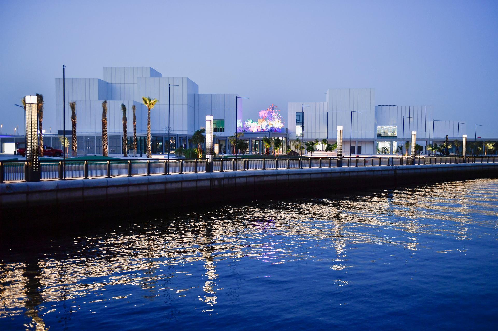 مركز جميل الفنيأول مؤسسة فنية معاصرة في دبي