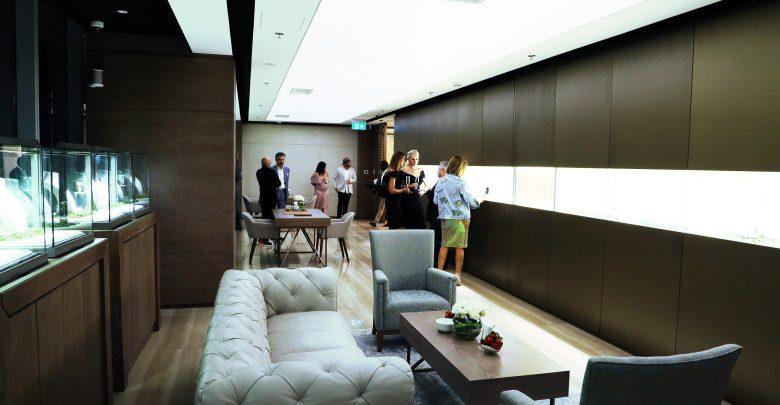 افتتاح متجر إستانا في أوبروي بيزنس