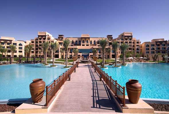 منتجع وفيلات السعديات روتاناSaadiyat Rotana Resort & Villas