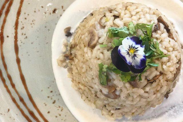 ريسوتو نباتي في مطعم Urth by Nabz & G