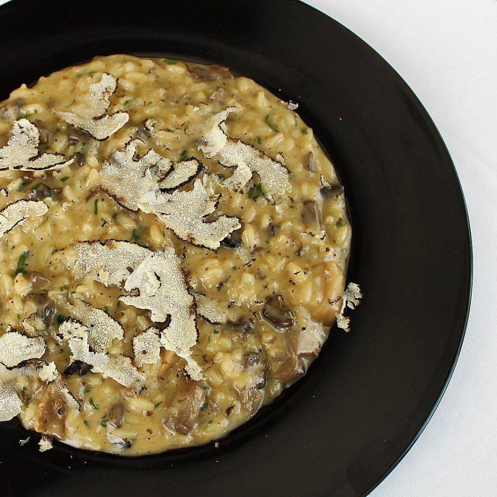قائمة تارتوفو بيانكو من مطعم ولاونج روبيرتوز أبوظبي