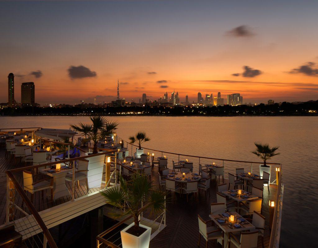 تراس مطعم بوردووك في نادي خور دبي للجولف واليخوت