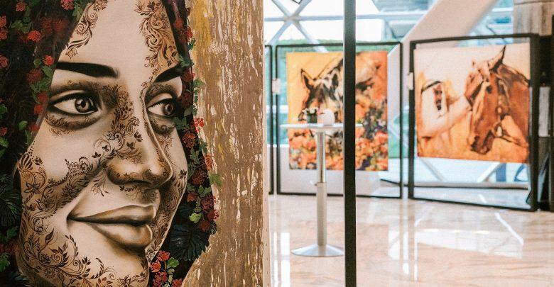 معرض أرت كومز آلايف في فندق أنداز كابيتال جيت أبوظبي