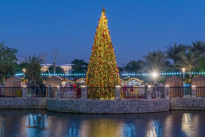احتفالات دبي باركس آند ريزورتس خلال موسم الأعياد