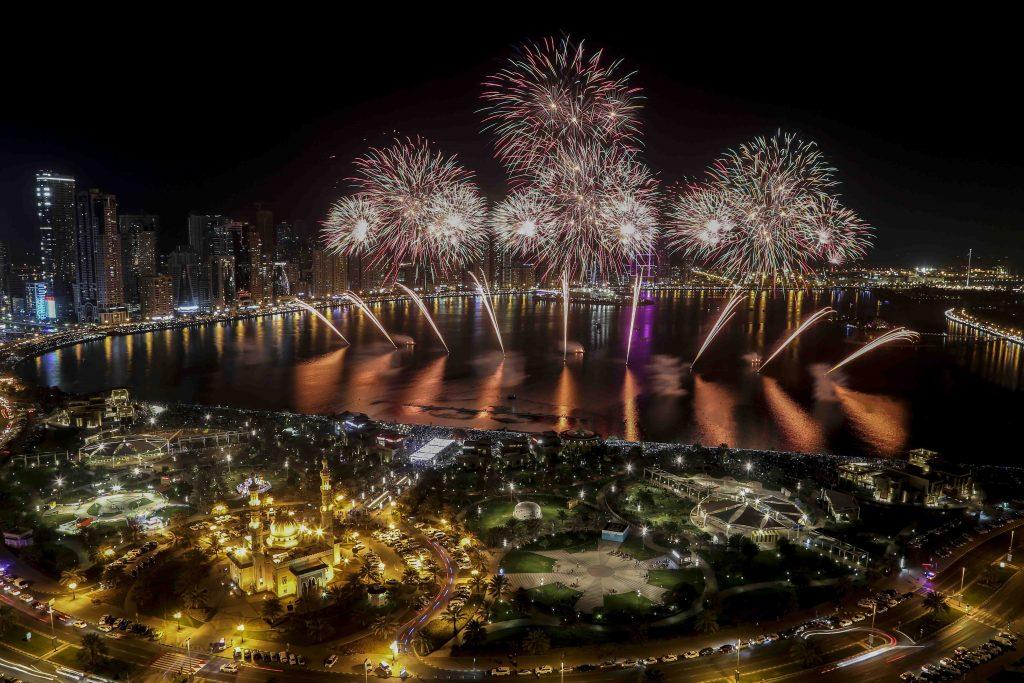 احتفالات واجهة المجاز المائية