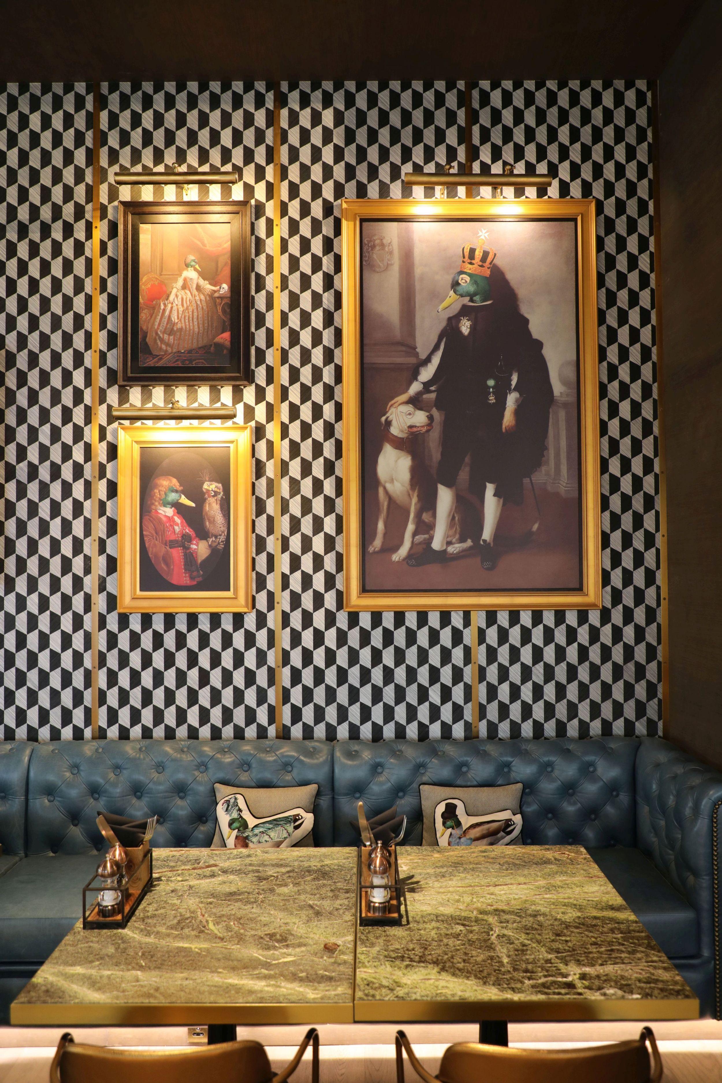 مطعم ذا داك هوك في نادي دبي هيلز للغولف