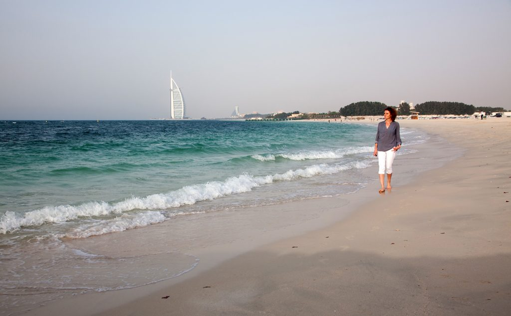 شاطئ القصر الأسودBlack Palace Beach