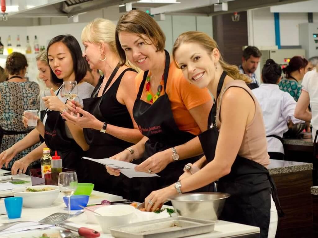 دروس الكريسماس للطبخChristmas Cooking Class
