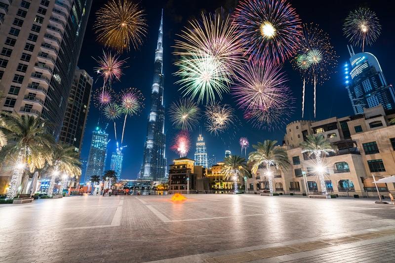 عروض الألعاب النارية في دبي
