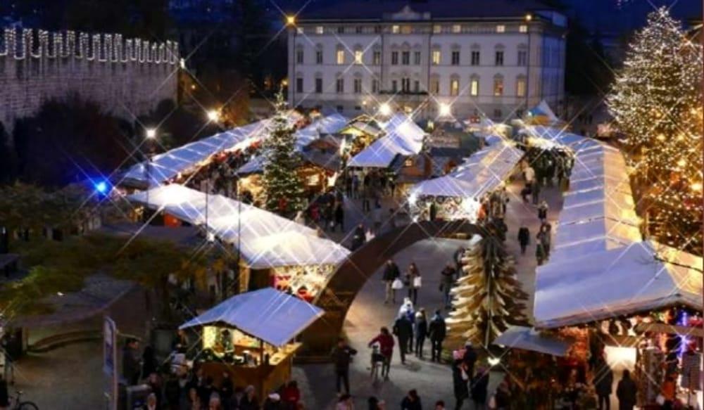 أبرز أسواق الكريسماس في أوروبا وأماكن الإقامة القريبة منها