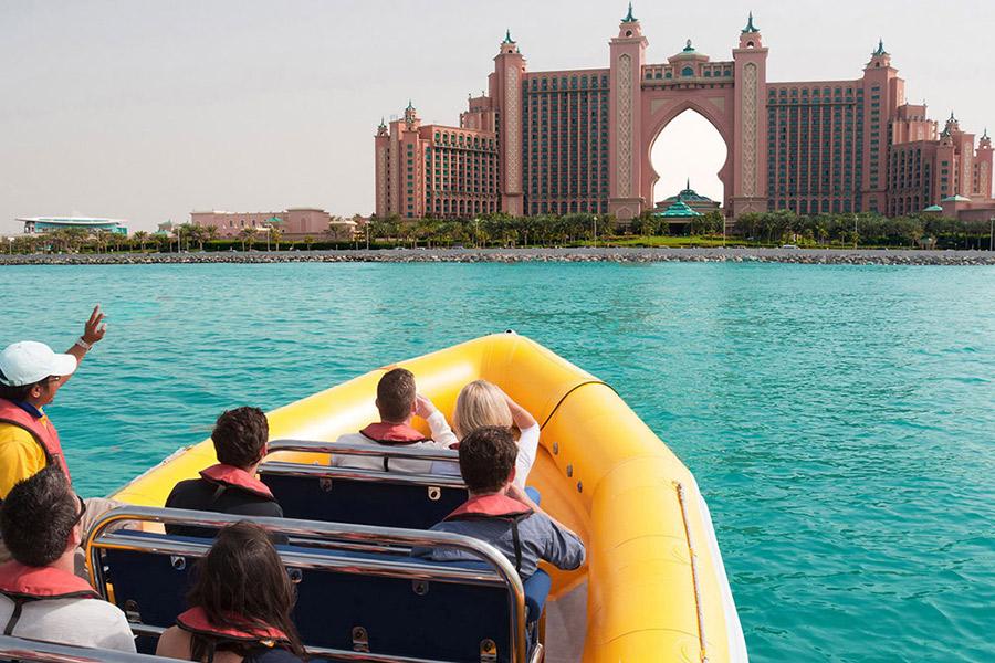القوارب الصفراء دبي The Yellow Boats Dubai