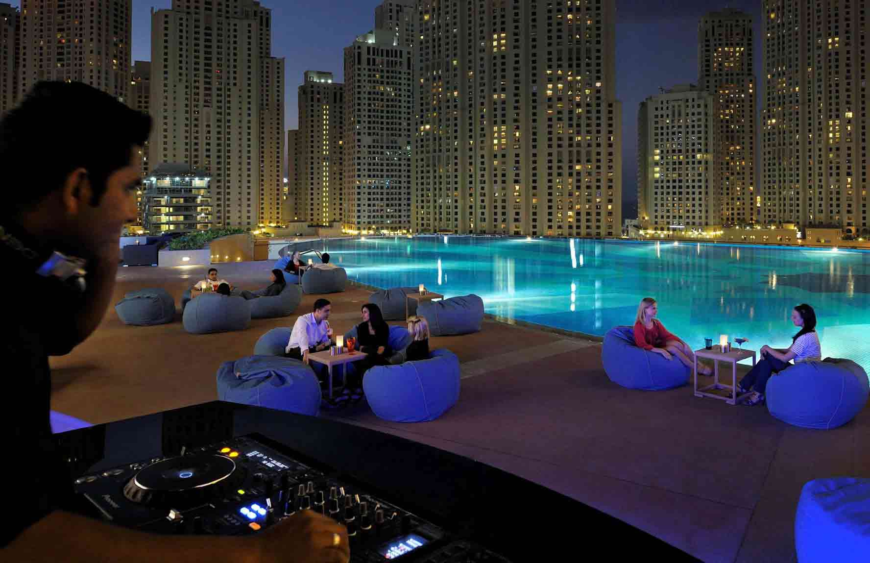 شادس دبي مارينا Shades Dubai Marina