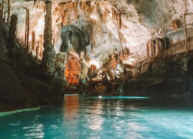 مغارة جعيتا في لبنان Jeita Grotto in Lebanon