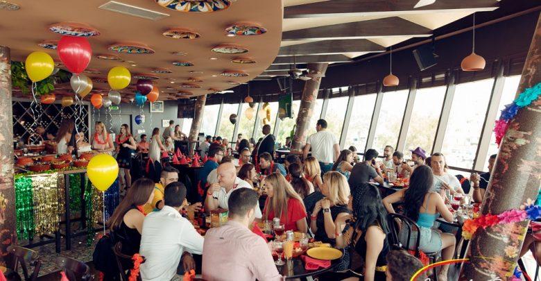 مطعم كاسا دي تاباس في نادي خور دبي للجولف واليخوت