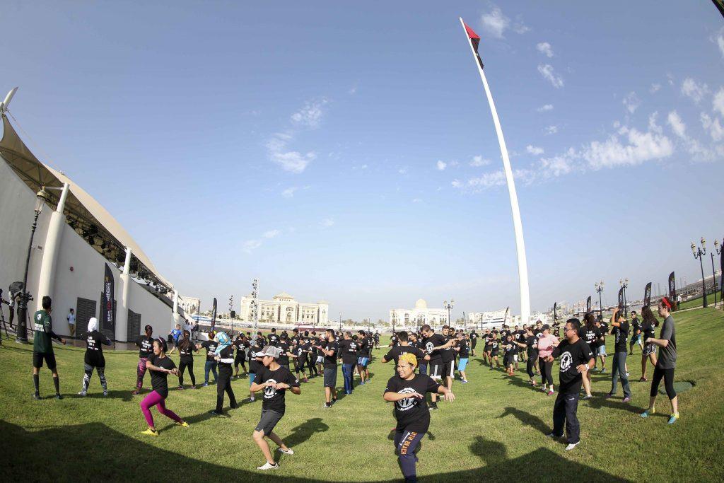 جانب فعاليات وأنشطة رياضية في جزيرة العلم خلال استضافة الشارقة لسباق سبارتن في العام 2016