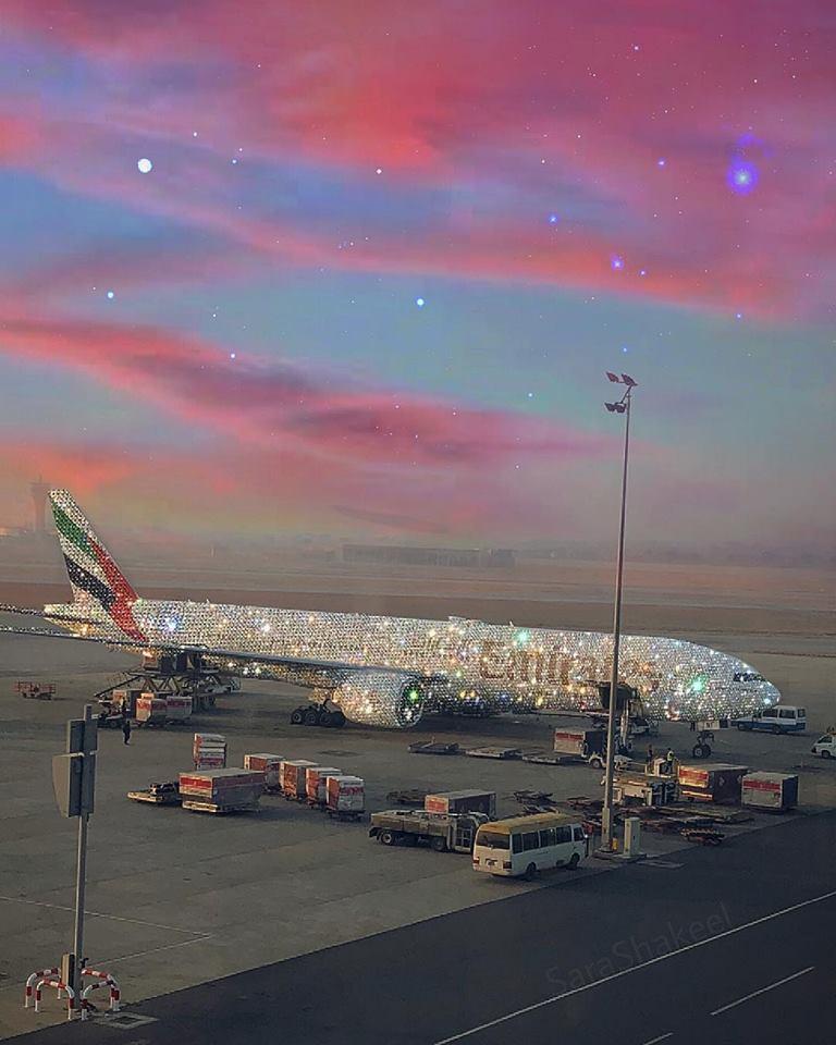 طائرة بوينج 777 مرصعة بالألماس