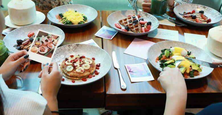 مطعم باونتي بيتس في فندق لو ميريديان الميناء السياحي