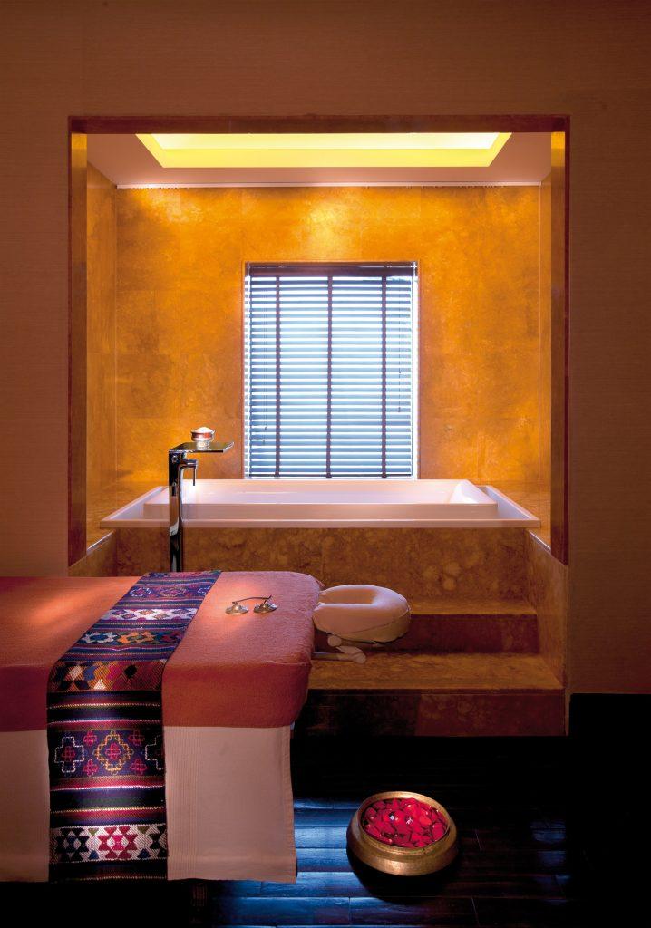 تشي ذا سبا في فندق شانغريلا قرية البري أبوظبي.