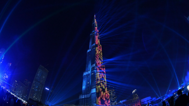 صورة واجهة برج خليفة تتزين بعروض ستعود بكم الى ذكريات الصيف المرحة