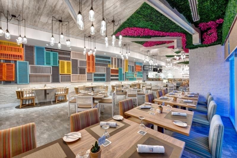 مطعم برانزو في فندق وأجنحة تايم أوك