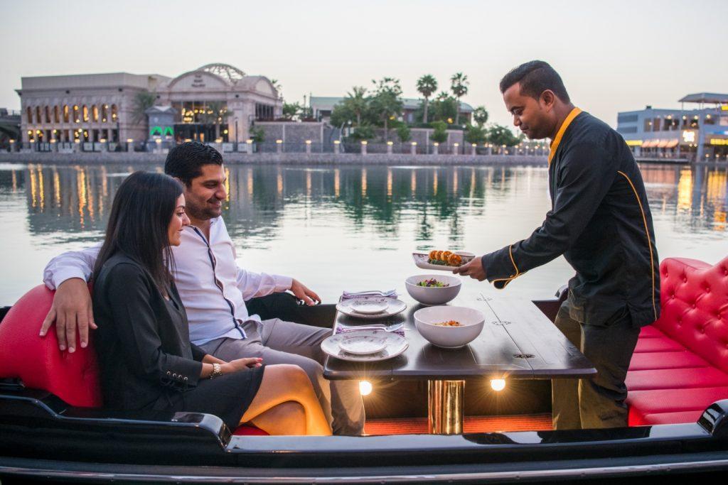 أمسية عيد الحب 2019 من ريفرلاند دبي