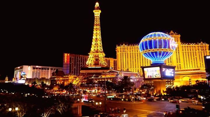 مشاهدة اجمل المعالم السياحية في الليل