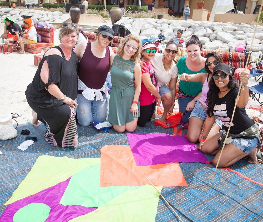 مهرجان الطائرات الورقية في جزيرة صير بني ياس