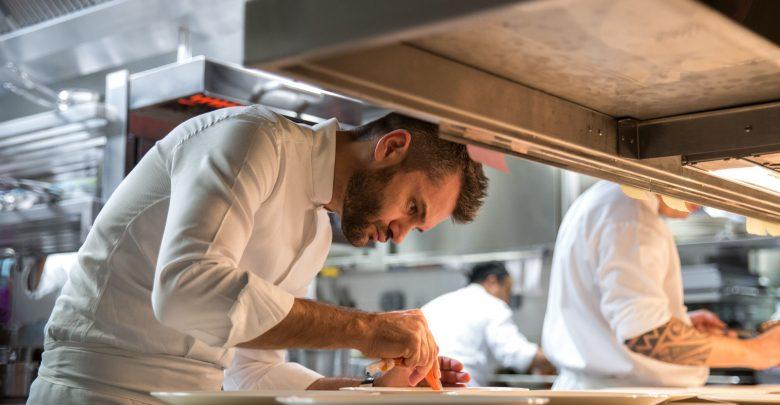 قائمة عشاء الشيف إنريكو بارتوليني في روبيرتوز أبوظبي