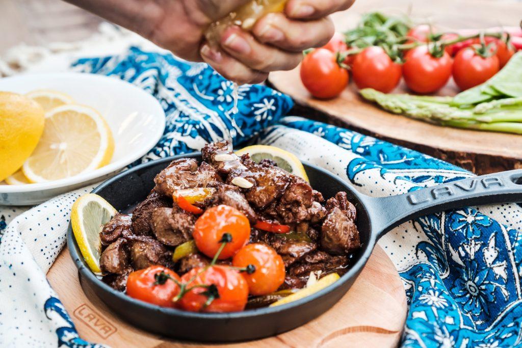 مطعم الفينيق في أبراج بحيرات جميرا