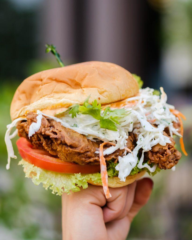 قائمة وجبات استراحة الغداء من مطعم بلاك تاب في أبوظبي