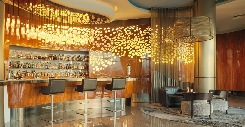 هيدن بار في فندق روزوود أبوظبي