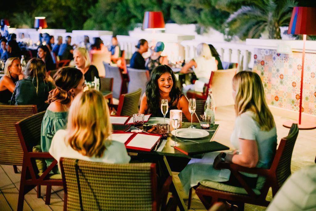 مطعم آسيا دي كوبا في منتجع ومارينا ويستن دبي الميناء السياحي