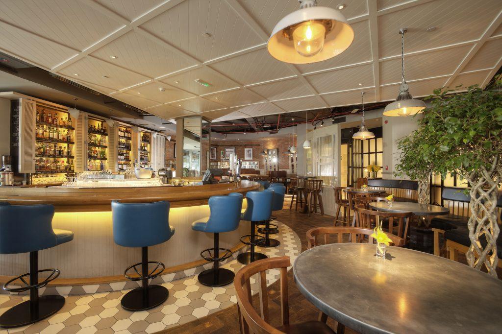 مطعم وركن المشروبات بنتلي كيتشن