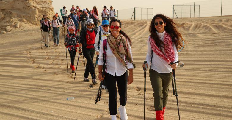 مسيرة النساء التراثية للمغامرة الصحراوية الخامسة