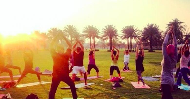 دروس يوجا مجانية في دبي تستحق التجربة خلال فبراير 2019