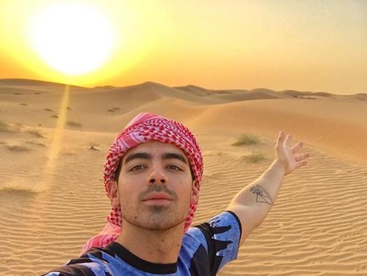 الخروج في رحلة السفاري الصحراوية