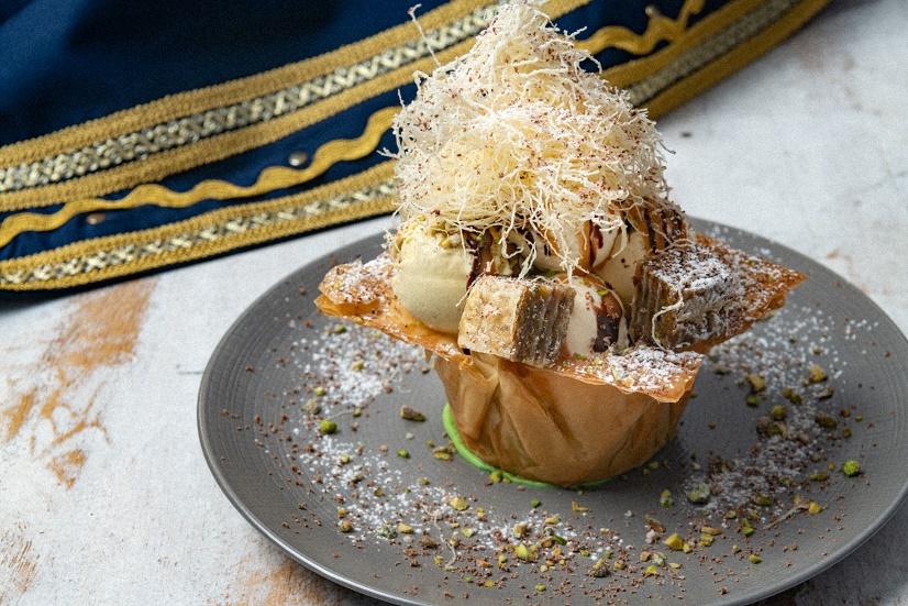طبق أورزو الكركند من مطعم أوبا اليوناني